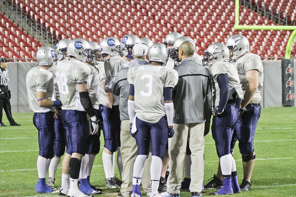 blue-grey-grey-team-huddle-larry-ryans